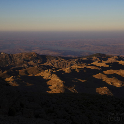Blick auf den Euphrat bei Nemrut Dağı. Aussicht am frühen Morgen.