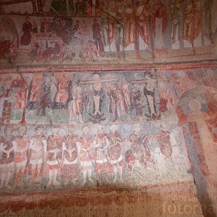 Viele der kappadokischen Höhlenkirchen sind reich verziert mit Freskenmalereien.