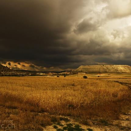 Ein Gewitter zieht auf: Kappadokien