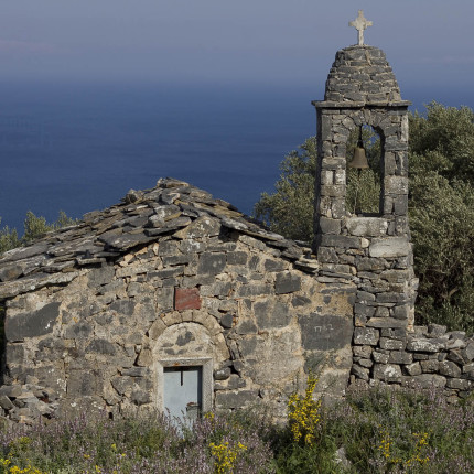 Diese wunderschöne kleine Kapelle mit Meerblick haben wir auf der Halbinsel Mani gefunden.