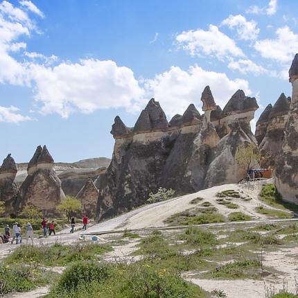 Die Geologie des Pasabagi Tals ist einzigartig. Spaziert man zwischen den bizarren Felsen hindurch, wähnt man sich in einer Märchenwelt.