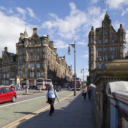 The Scotsman Hotel ist auch ein Traditionshotel an der North Bridge.