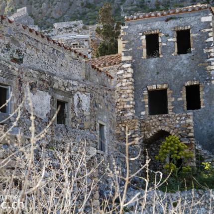 Viele der Steinbauten von Monemvasia sind am zerfallen.