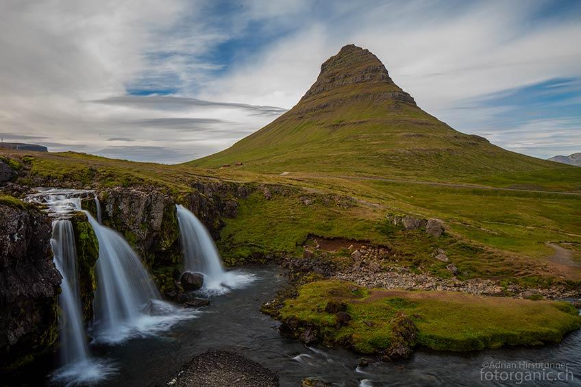 Der beliebte Wasserfall Kirkjufellsfoss, den man selten für sich alleine hat.
