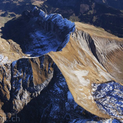 Schroffe Bergwelt über den Klippen der Vanil Noir
