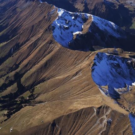 Farben der Berge aus dem Ballon
