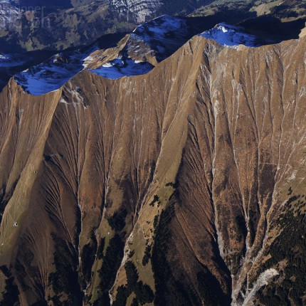 Die Strukturen der Bergwelt von oben