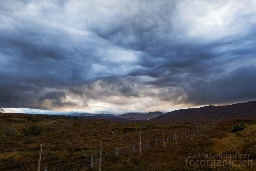 Das Herbstwetter in Schottland ist äusserst wechselhaft. Manchmal zaubert es malerische Stimmungen hervor.