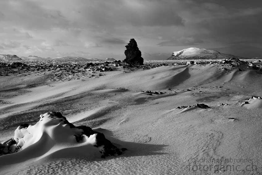 Die Ruhe unterhalb des Zentralvulkans Hekla ist im Winter fast gespenstisch. Wir vergessen die Zeit.