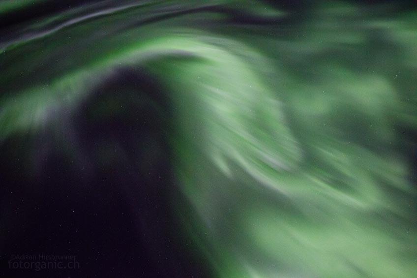 Die Nordlichter bewegen sich mit unglaublicher Geschwindigkeit!