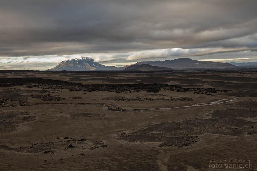 Der Tafelvulkan Herðubreið ist von weither sichtbar.