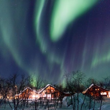 Wie schnell sich die Aurora borealis bewegen kann, sieht man daran, dass ich dieses Bild noch in der gleichen Minute aufgenommen habe wie das Vorangehende.