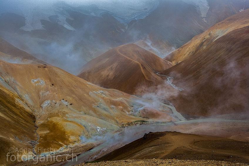 Die Landschaft von Kerlingarfjöll ist einmalig. Das Geothermalgebiet, das rote Gestein und die Gletscher bieten alles, was der Naturfotograf begehrt.