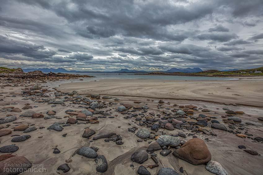 Der Sandstrand befindet sich in einer eher selten bereisten Region Schottlands. Es lohnt sich, die Umgebung von Mellon Udrigle zu Fuss zu erkunden.