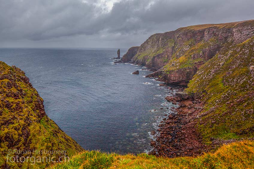 DDer Old Man of Stoer ist eine 60m hohe Felsnadel die sich an einer der imposantesten Steilküsten Schottlands befindet.