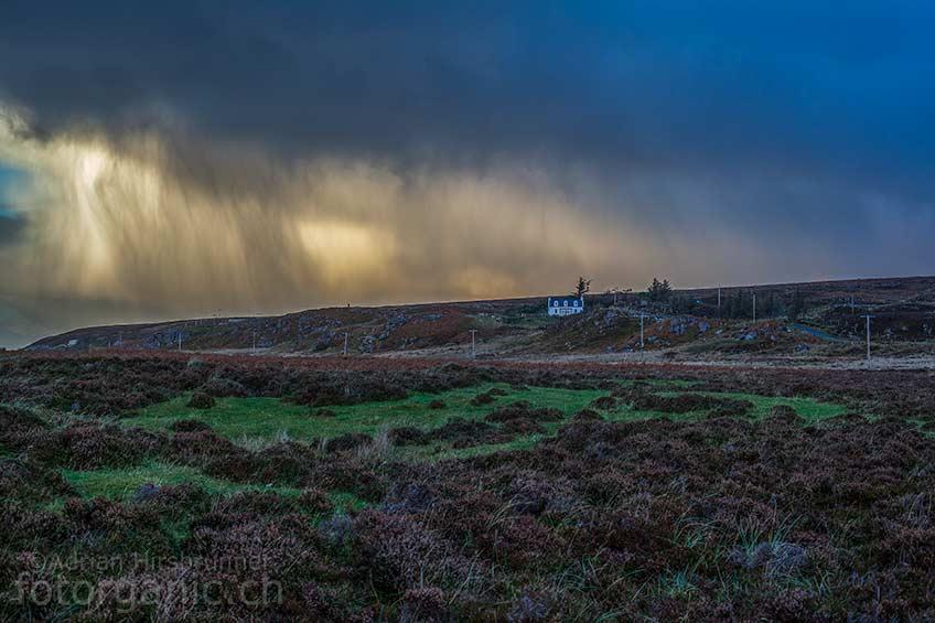 Trifft uns die Regenfront - oder trifft sie uns nicht? Das Wetter ist in Schottland eine unsichere Komponente.