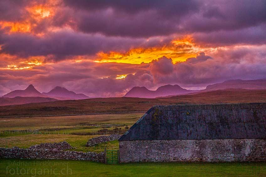 Schottland hält für Reisende viele Sehenswürdigkeiten bereit! Eine intakte Natur und die vielseitige Landschaft, machen dises Land zum idealen Reiseziel.