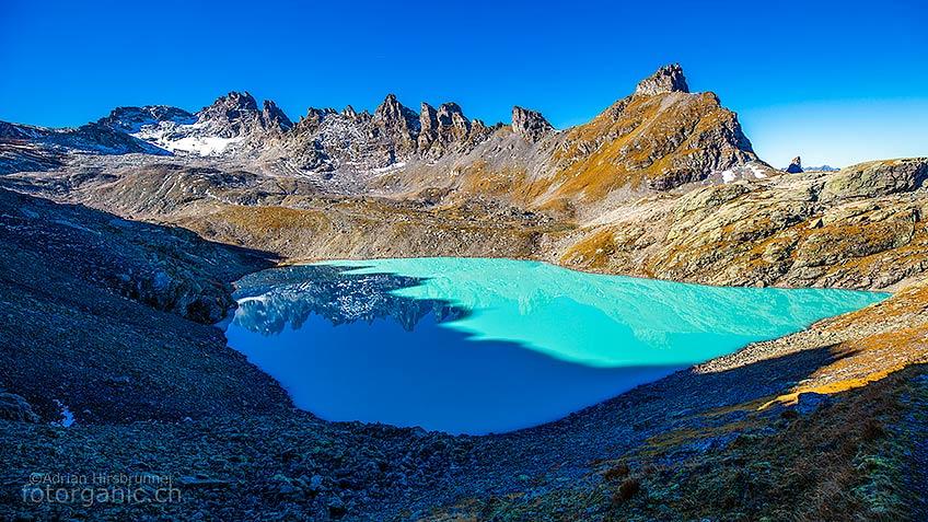 Auf der 5-Seen-Wanderung bietet einen eindrücklichen Einblick in die Bergwelt des Pizols. Mit ihren bunten Seen, gehört sie zu den schönsten Wanderungen der Schweiz.