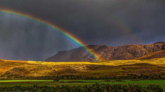 Schottland beherbergt viele sehenswerte Reiseziele. Aber auch landschaftlich unscheinbare Orte, verwandeln sich bei der richtigen Lichtstimmung zu grossen Sehenswürdigkeiten!