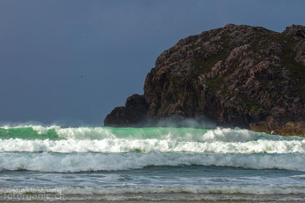 Am windexponierten Cliff Beach sind die Wellen oft um die vier Meter hoch.