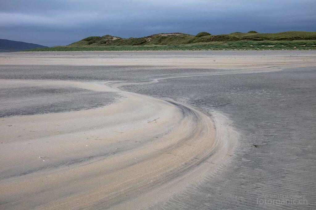 In der Sandlandschaft des Luskentyre Beach vergisst man die Zeit.